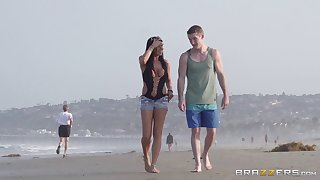Open-air fucking on humanness beach with treat Romi Rain