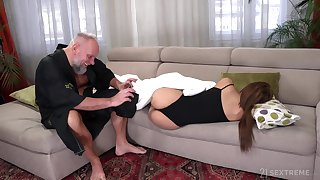 Pupil tenant Sarah Cute gets intimate with old landlord