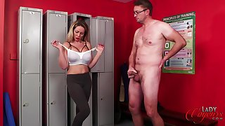 Mature amateur Lucy Kemp teases coupled with drops on her knees to give head