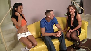 Amazing FFM threesome with mature Eva Notty and teen Syndee Taylor