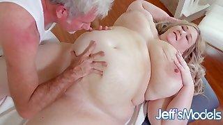 Heavenly Bbw Martini Margo Gets Worshipped Plus Massaged