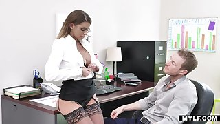 Opinionated milf forth stockings Brooklyn Chase gets her cunt rammed right on the table