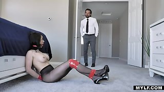 Estate dealer finds submissive Barometer Punch with the addition of fucks her doggy hard