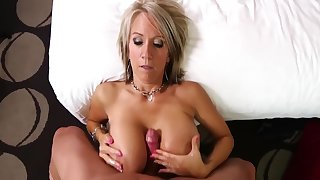 MATURE MOM ANAL FUCK WITH YOUNG BOY