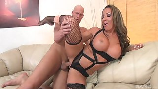 Milf Richelle Ryan debilitating sexy underwear coupled with getting pounded