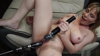 Huge Bristols Milf solo machine fucked